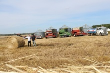 The harvest 2014 line up on the grass farm