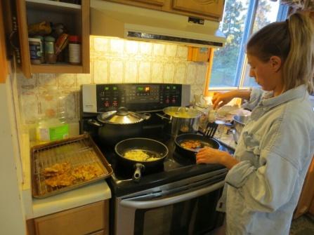Making Zuchini-Potato-Puffer