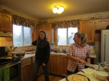 Jessica gets easily distracted when cooking dinner