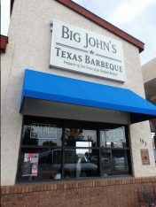 We had delicious Texas - Style brisket at this place