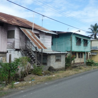 Housing in Almirante